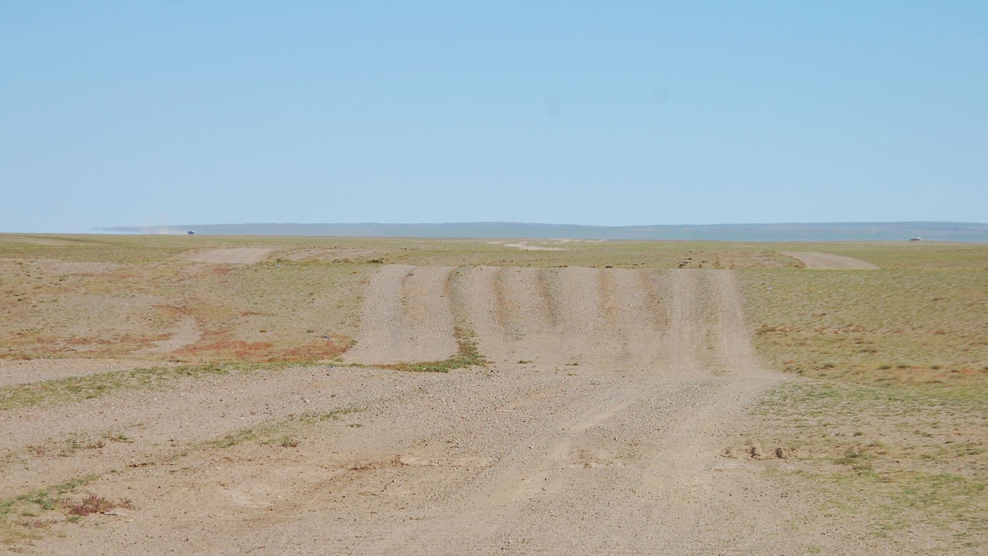 Jepp, fire-felts vei midt i Gobi-ørkenen!